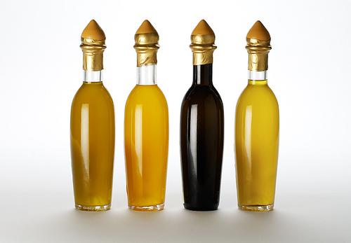 Diferentes aspectos del aceite de oliva filtrado y sin filtrar